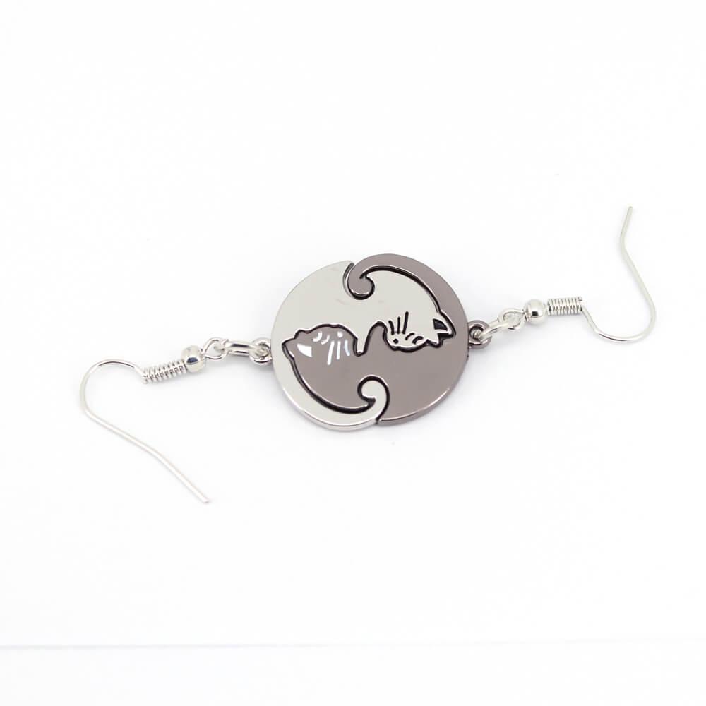 cat-lover-earrings-Black-white-gif-for-cat-people-earring-jewellery-In-Kenya-On-Spawtive